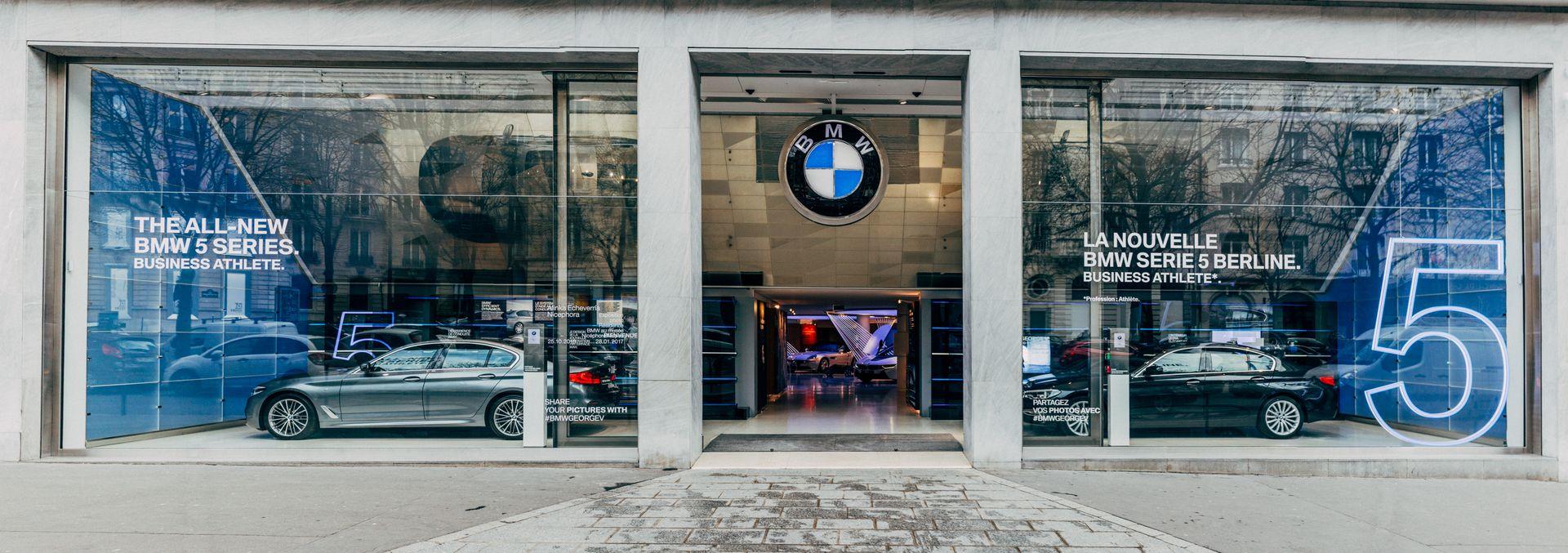 Brand Store BMW George V   Vitrine BMW SeÃÅrie 5 2017 11 1080